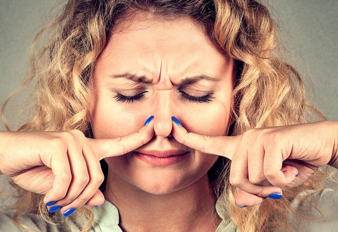 как устранить запах в канализации в квартире